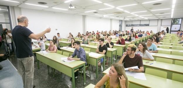 Comunidad Valenciana.  Valencia 6 de Junio  de 2017 . Prueba de selectividad en el campus de Vera. Fotograf'a de: Damian Torres